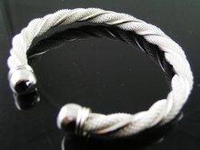 Mooie gedraaide zilveren armband